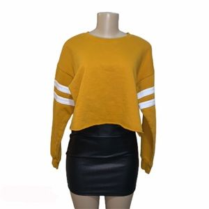 Forever 21 long sleeve crop top  mustard color, m